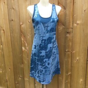 Mountain Hardware blue nambia printed dress size M